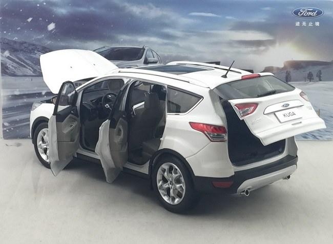 โมเดลรถ โมเดลรถเหล็ก โมเดลรถยนต์ Ford Kuga 2015 ขาว 4