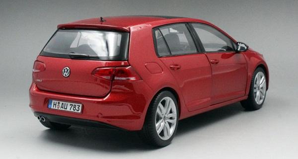 โมเดลรถ โมเดลรถเหล็ก โมเดลรถยนต์ Volkswagen Golf 7 red 2