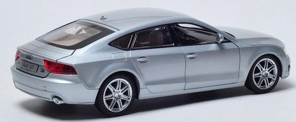 โมเดลรถเหล็ก โมเดลรถยนต์ Audi A7 เงิน 2