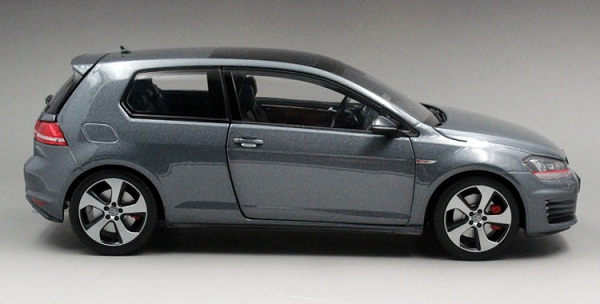 โมเดลรถ โมเดลรถเหล็ก โมเดลรถยนต์ Volkswagen Golf 7 grey 3