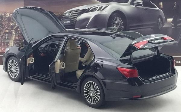 โมเดลรถ โมเดลรถเหล็ก โมเดลรถยนต์ toyota crwon 2015 black 4