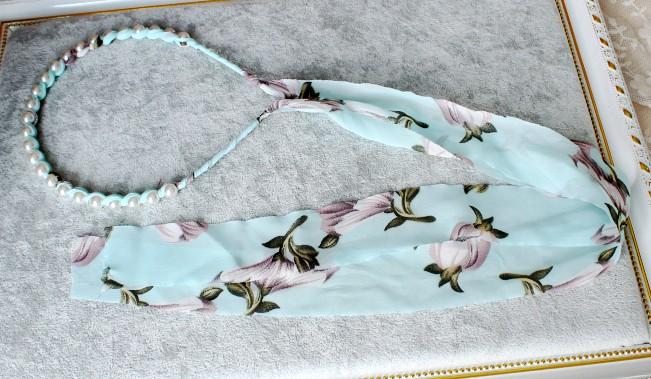 ที่คาดผมผ้าชีฟองยาวลายดอกไม้แต่งมุกสีฟ้าอ่อน