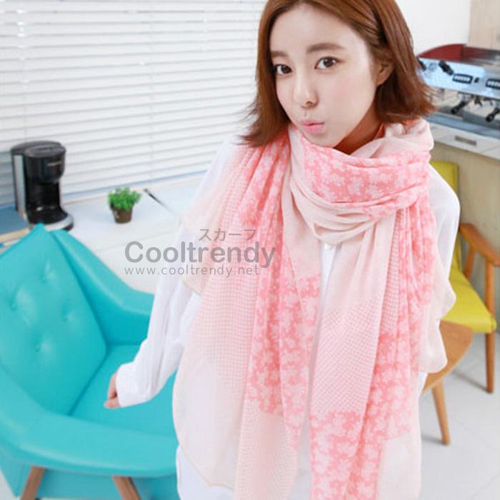 ผ้าพันคอลายดอกซากุระ Sakura : White Pink ผ้า Viscose size 160x80 cm