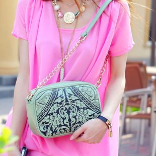 """""""พร้อมส่ง""""กระเป๋าแฟชั่น Maomao กระเป๋าสะพายพิมพ์ลายดอกไม้ มีทั้งสายโซ่และสายหนังให้ค่ะ -สีเขียว"""