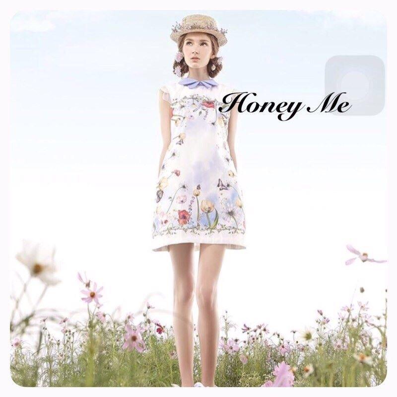 Dress สีขาวพร้อมกับลายสกรีนกราฟฟิคสุดคลู