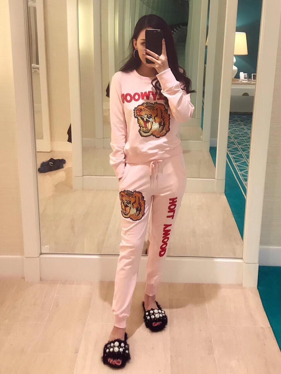 เสื้อผ้าแฟชั่นพร้อมส่ง แบรนด์ Gucci เสื้อ+กางเกงขายาว เข้ารูป