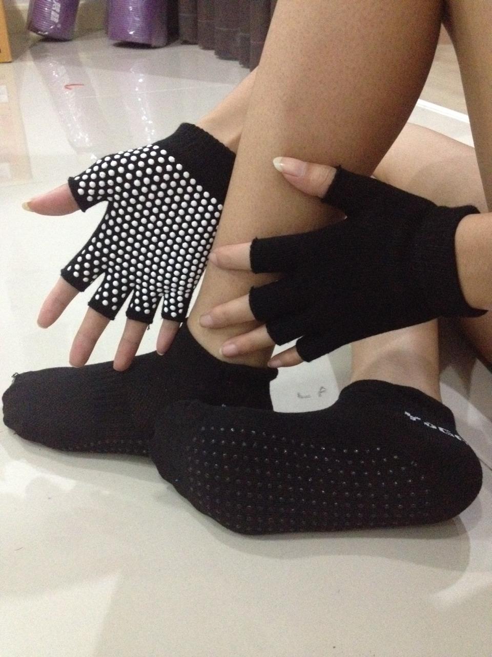 (พรีออเดอร์) ถุงมือ ถุงเท้าโยคะ กันลื่น YKA30-37