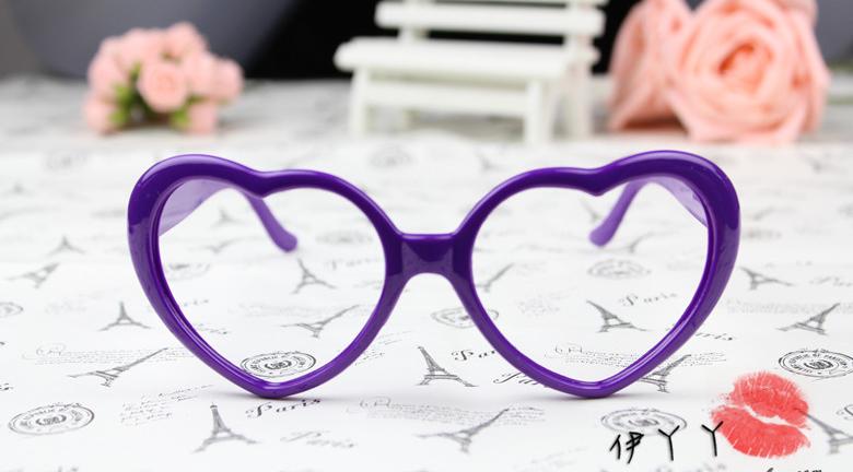 แว่นตาแฟชั่นเกาหลี กรอบหัวใจสีม่วง (ไม่มีเลนส์)