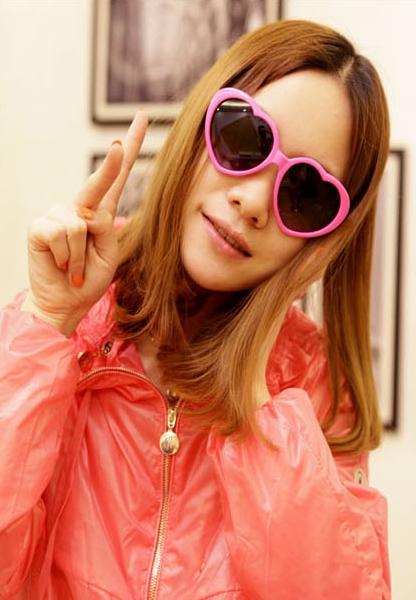 แว่นตากันแดดแฟชั่นเกาหลี กรอบหัวใจสีชมพูอ่อน