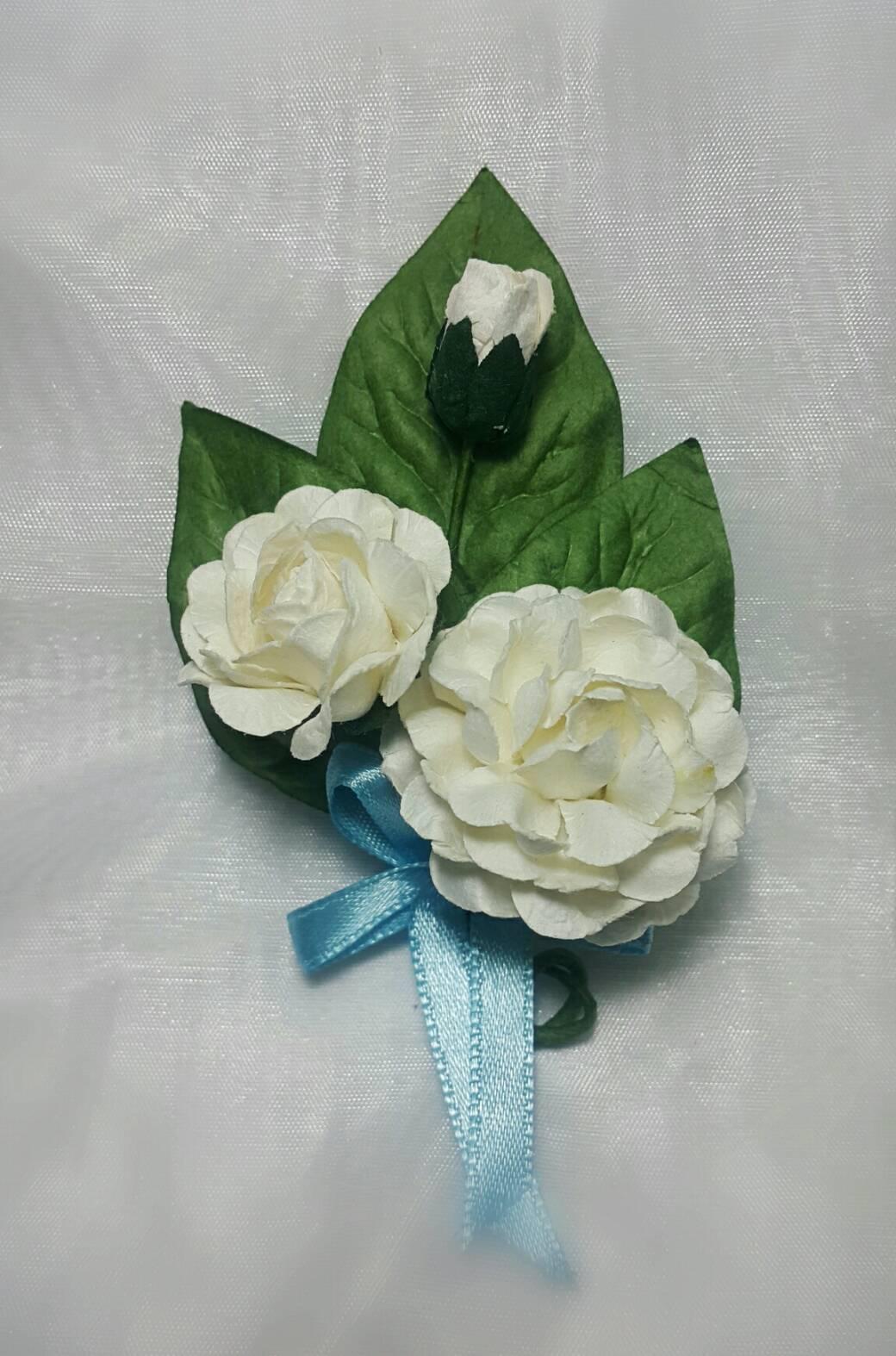(สั่งจองเท่านั้น) เข็มกลัดเสื้อ ดอกมะลิ (ช่อ 3 ดอก)