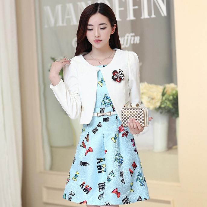 ชุดเดรสทำงานเกาหลี เดรสสั้นน่ารักๆพิมพ์ลายโบว์ มาคู่กับเสื้อสูทตัวสั้นสีขาว เนื้อผ้าดี ทำให้คุณสาวๆ ดูสวยง่า ( M L XL XXL )