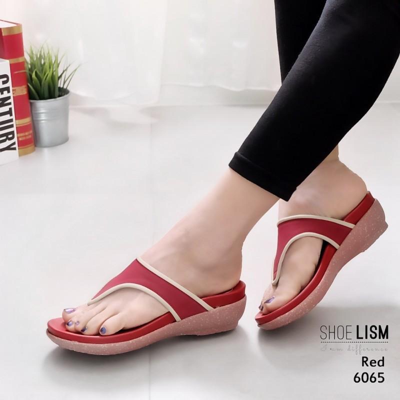 รองเท้าแตะแฟชั่น แบบหนีบ ตัดสีขอบสวยเรียบเก๋ หนังนิ่ม พื้นนิ่มรองรับรูปเท้าเพื่อสุขภาพ งานสวย ใส่สบาย แมทสวยได้ทุกชุด (6065)