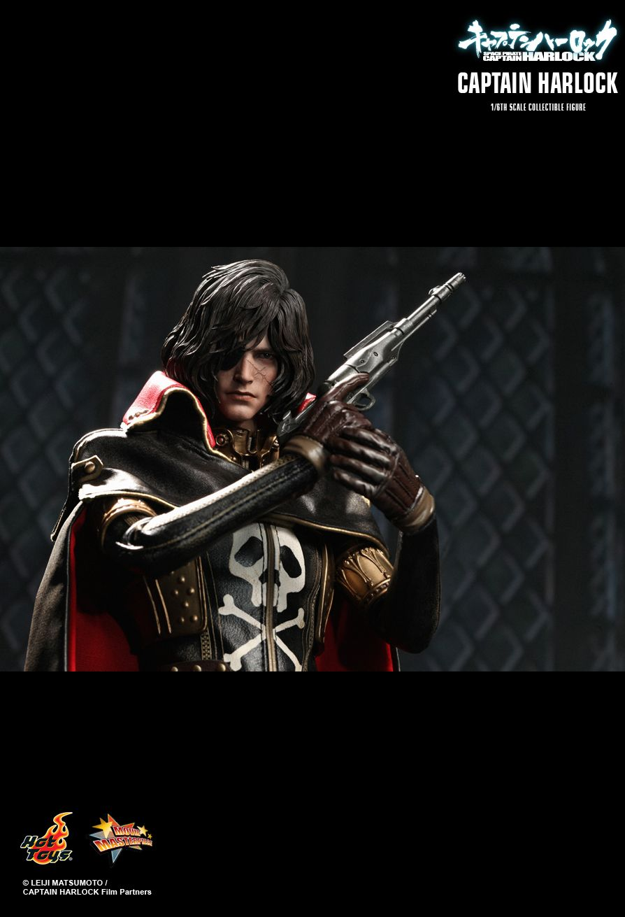 HOT TOYS MMS222 CAPTAIN HARLOCK