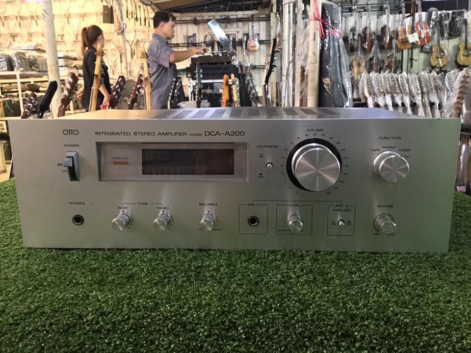 เครื่องขยายเสียง SANYO DCA-A200