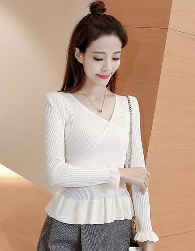 เสื้อไหมพรมแฟชั่น คอวี เอวเข้ารูปชายระบายสวยหวาน-1538-สีขาว