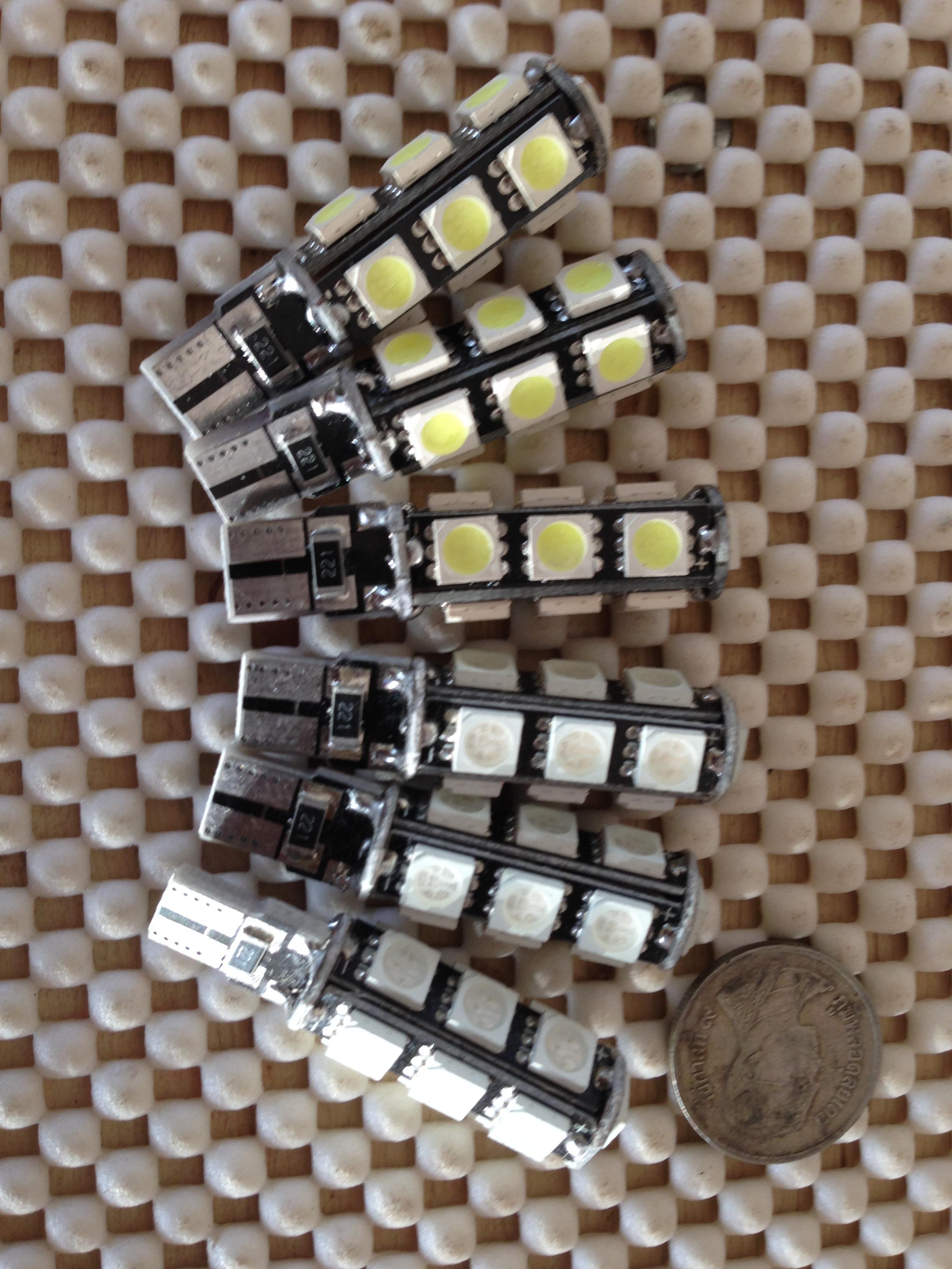 ไฟหรี่- ไฟส่องป้าย ขั่ว t10 แบบ canbus หลอด led 13 ดวง