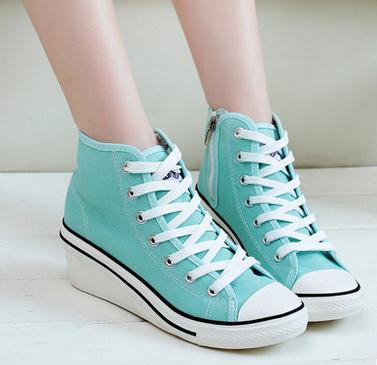 รองเท้าผ้าใบส้นสูงประดับซิป