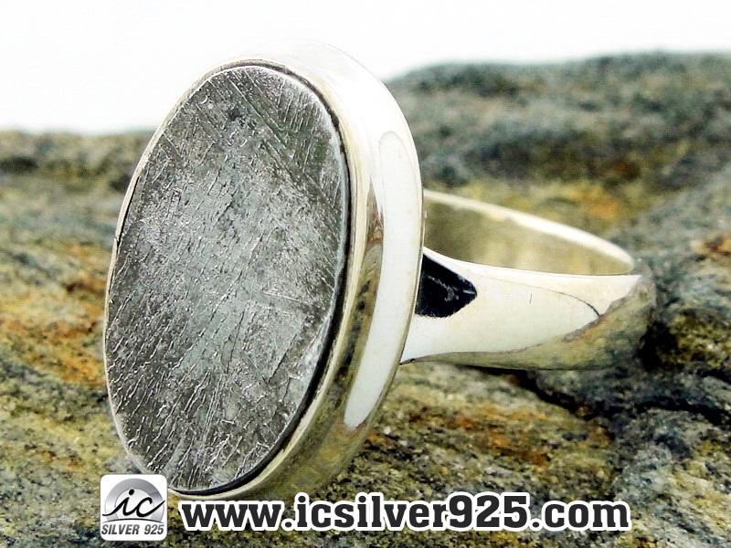 ▽หินดาวตกกีเบียน GIBEON METEORITE-แหวนเงินแท้ 925 (แหวนเบอร์ : 51, 4.4g)