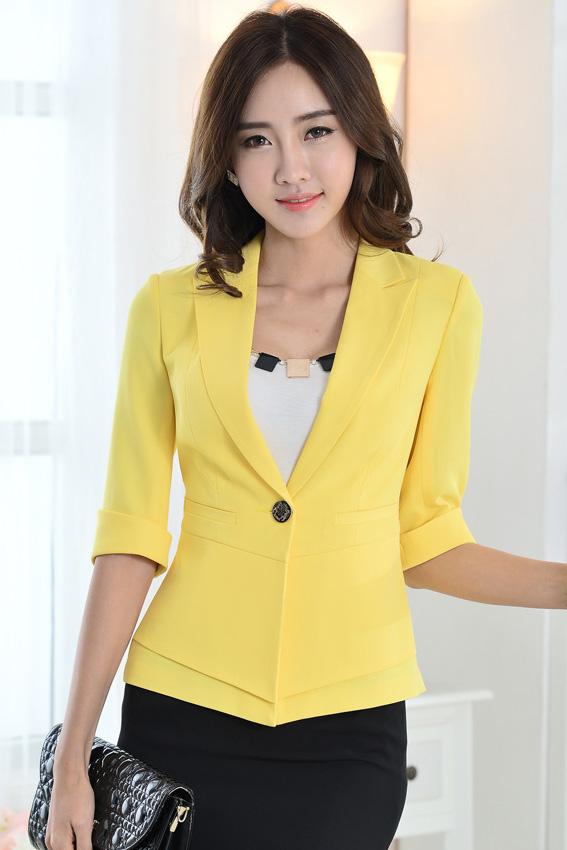 (สินค้าหมด) เสื้อสูทแฟชั่นผู้หญิง เสื้อสูททำงาน สีเหลือง แต่งแขนพับสามส่วน คอปก กระดุมเม็ดเดียว ไหล่ยกนิดๆ เข้ารูปช่วงเอว