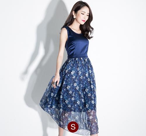 ชุดเดรสยาวสีกรมท่า แขนกุด เอวเข้ารูป กระโปรงลายดอกไม้ สวยหวานสไตล์เกาหลี ไซส์ S