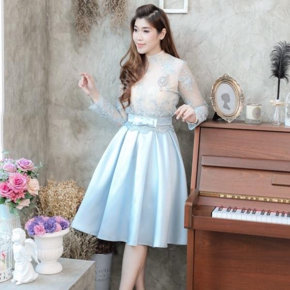 ชุดไปงานแต่งงาน ออกงาน ชุดเพื่อนเจ้าสาวธีมงานสีฟ้า สวยหวาน น่ารักๆ เป็น SET เสื้อลูกไม้ + กระโปรงผ้าไหมอิตาลี