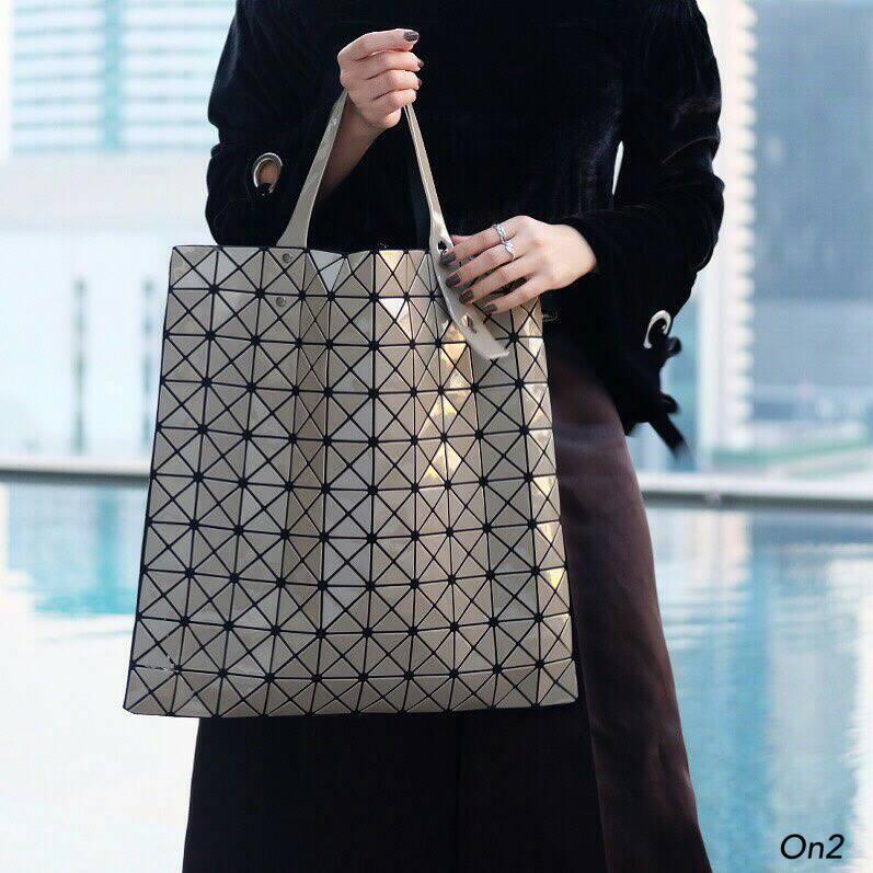&#x1F49EIssey Miyake shopping bag&#x1F49E