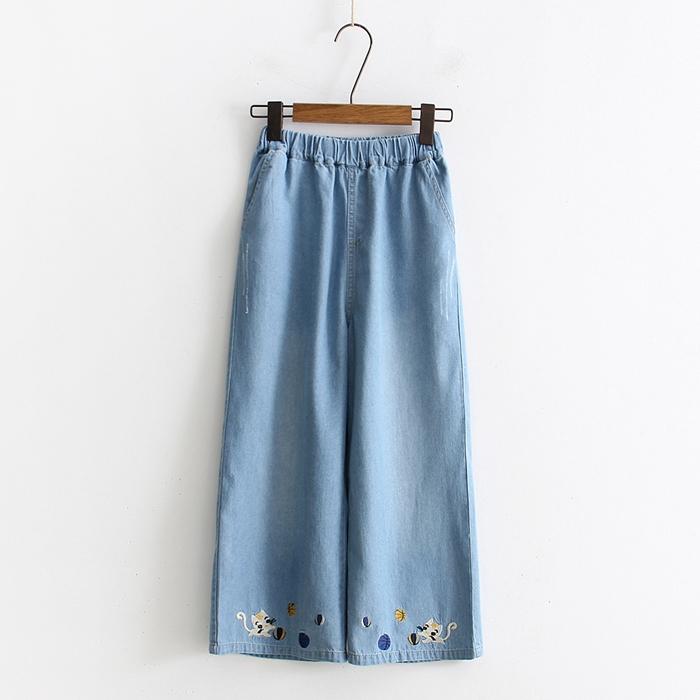 กางเกงยีนส์ขายาวเอวยืด ปักลาย (มีให้เลือก 2 สี 3 ไซส์)