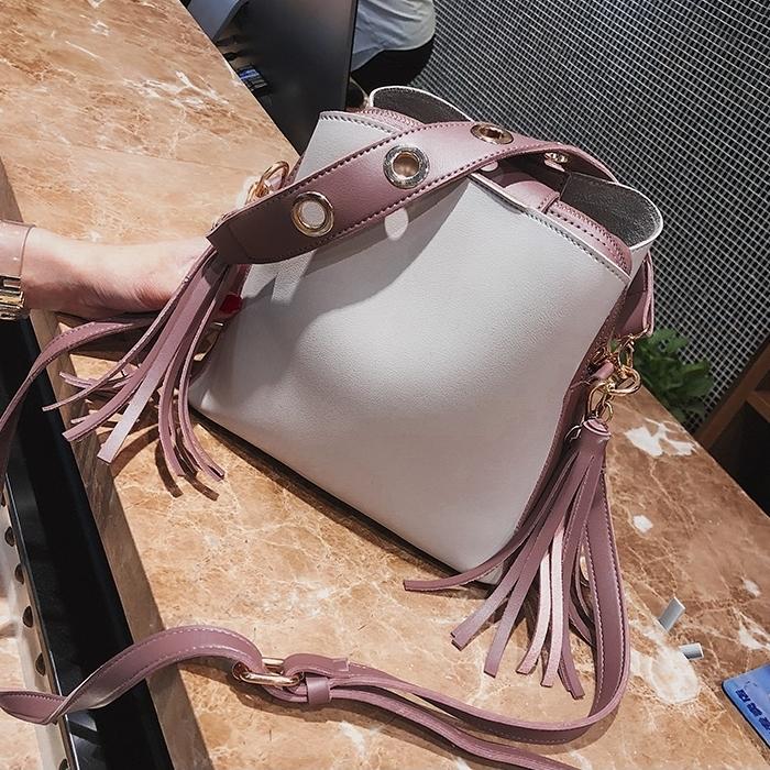 { พร้อมส่ง } กระเป๋าถือ/กระเป๋าสะพายข้าง (สีม่วงอมชมพู)