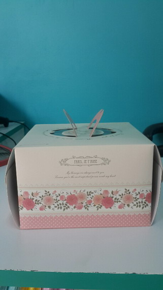 กล่องเค้กลายดอกไม้ ขนาด 2 ป