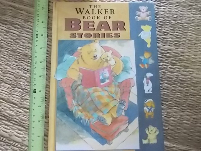 The Walker Book of Bear Stories Hardback 94 Pages ราคา 200