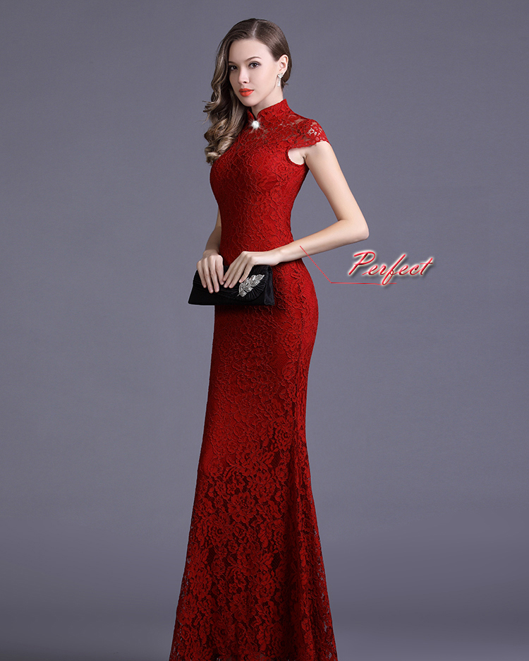 ชุดลูกไม้ยาวสีแดงราคาถูก