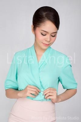 เสื้อคอไขว้สีเขียว