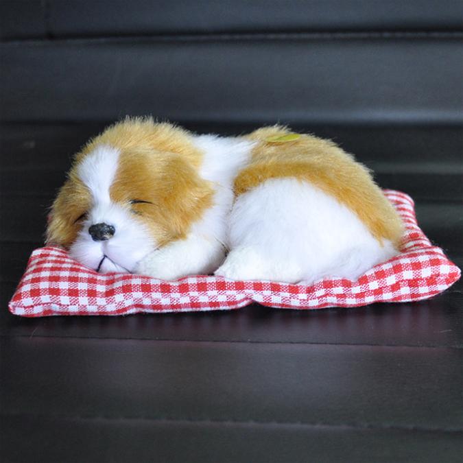 หมานอนหลับบนเบาะแดง สีน้ำตาลขาว 17x13 CM [มีเสียง]