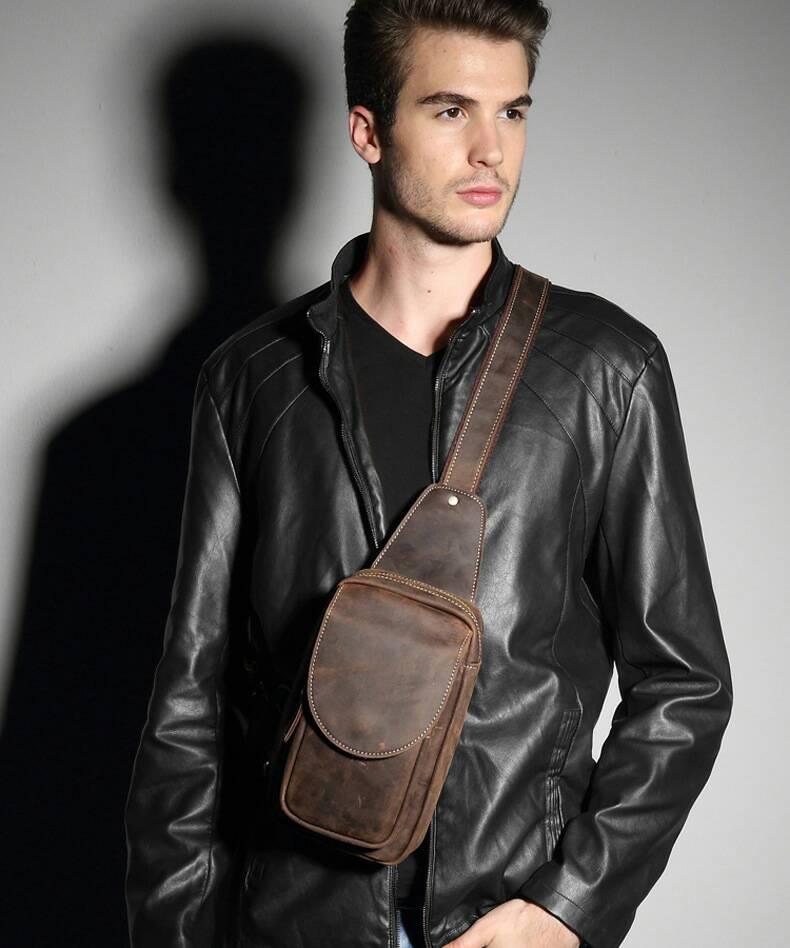 กระเป๋าคาดอก กระเป๋าสะพายเฉียง หนังแท้นูบัค สำหรับผู้ชาย โทนสีน้ำตาล