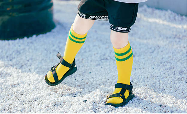 ถุงเท้ายาว สีเหลือง แพ็ค 12 คู่ ไซส์ L ประมาณ 6-8 ปี