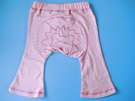 MP026 Brown Bear BaBy กางเกงก้นบาน 100% Cotton ลายริ้วสีชมพูร่องเล็ก พิมพ์ลายหน้าสิงโตตรงก้น เดินตะเข็บรอบ ๆ เก๋มาก ๆ ค่ะ Size 70