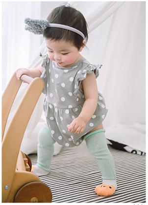 ถุงเท้ายาว สีเขียว+ส้ม แพ็ค 10 คู่ ไซส์ S (อายุประมาณ 0-6 เดือน)