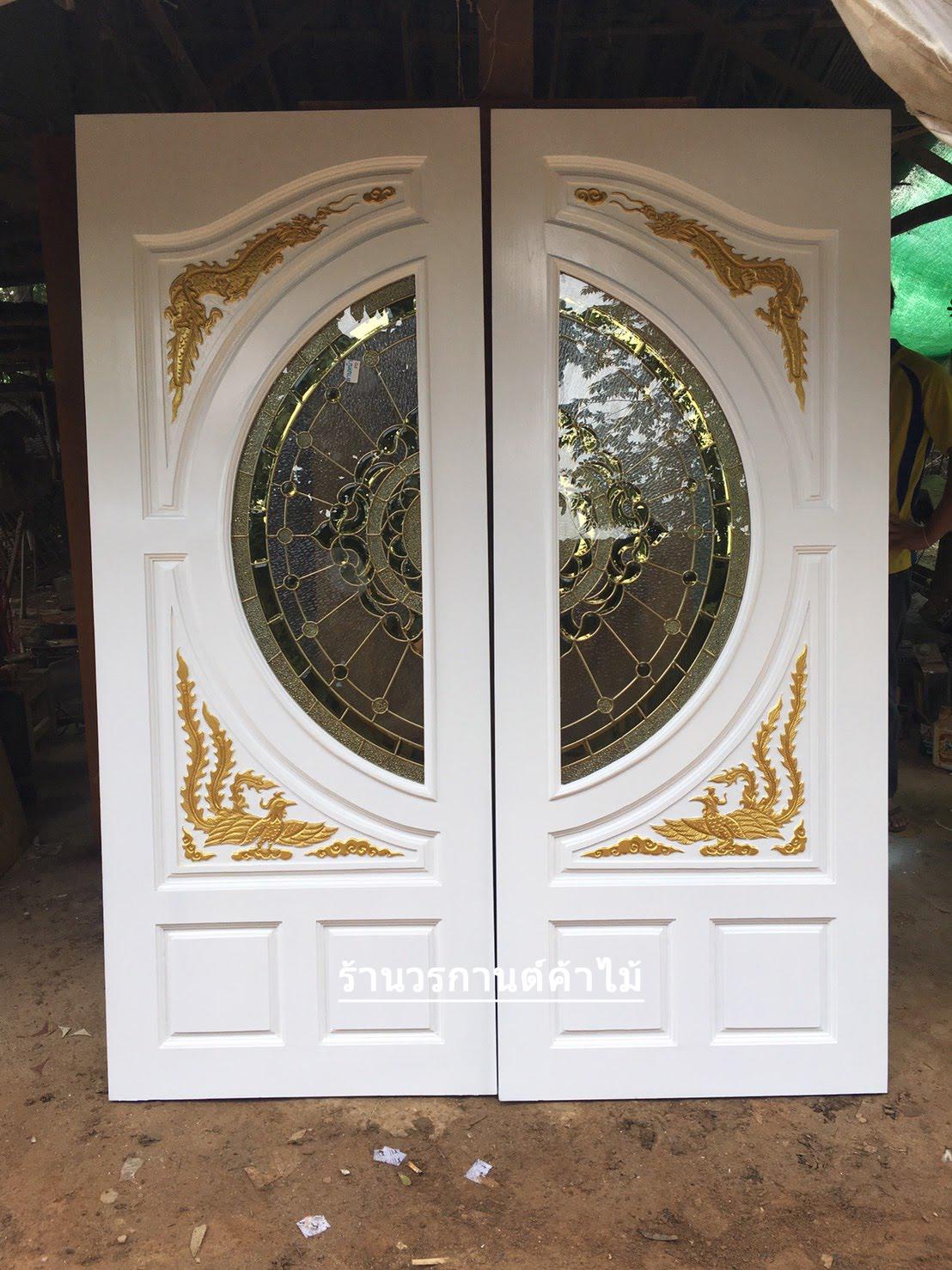 ประตูไม้สักกระจกนิรภัย แกะมังกรหงส์ สีขาวด้าน รหัส A100