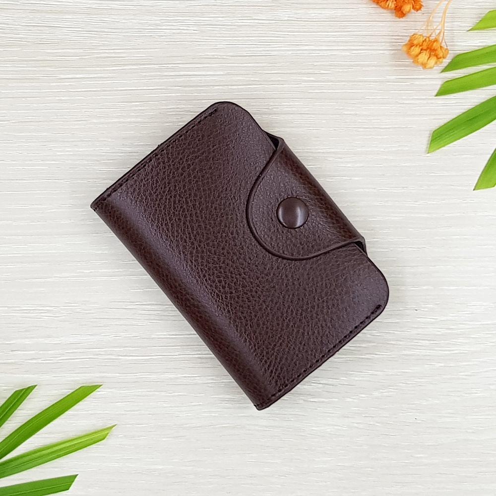 M Ven Card Button Dark Brown