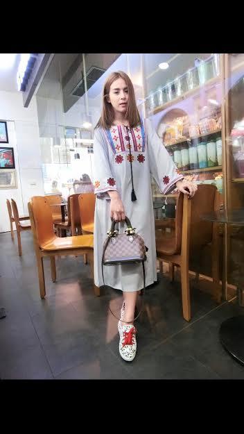 250104 ขายส่งเสื้อผ้าแฟชั่นผ้าสปันงานปัก maxxi dresss กำลังเป็นที่นิยมตอนนี้ค่ะ รอบอกฟรีไซส์ 32-40 นิ้วใส่ได้ค่ะ ยาว 44 นิ้ว