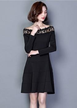 เดรสผ้าคอตตอนผสม เนื้อดี สีดำ แขนยาวห้าส่วน คอเสื้อแต่งด้วยผ้าถักโครเชต์ลายดอกไม้