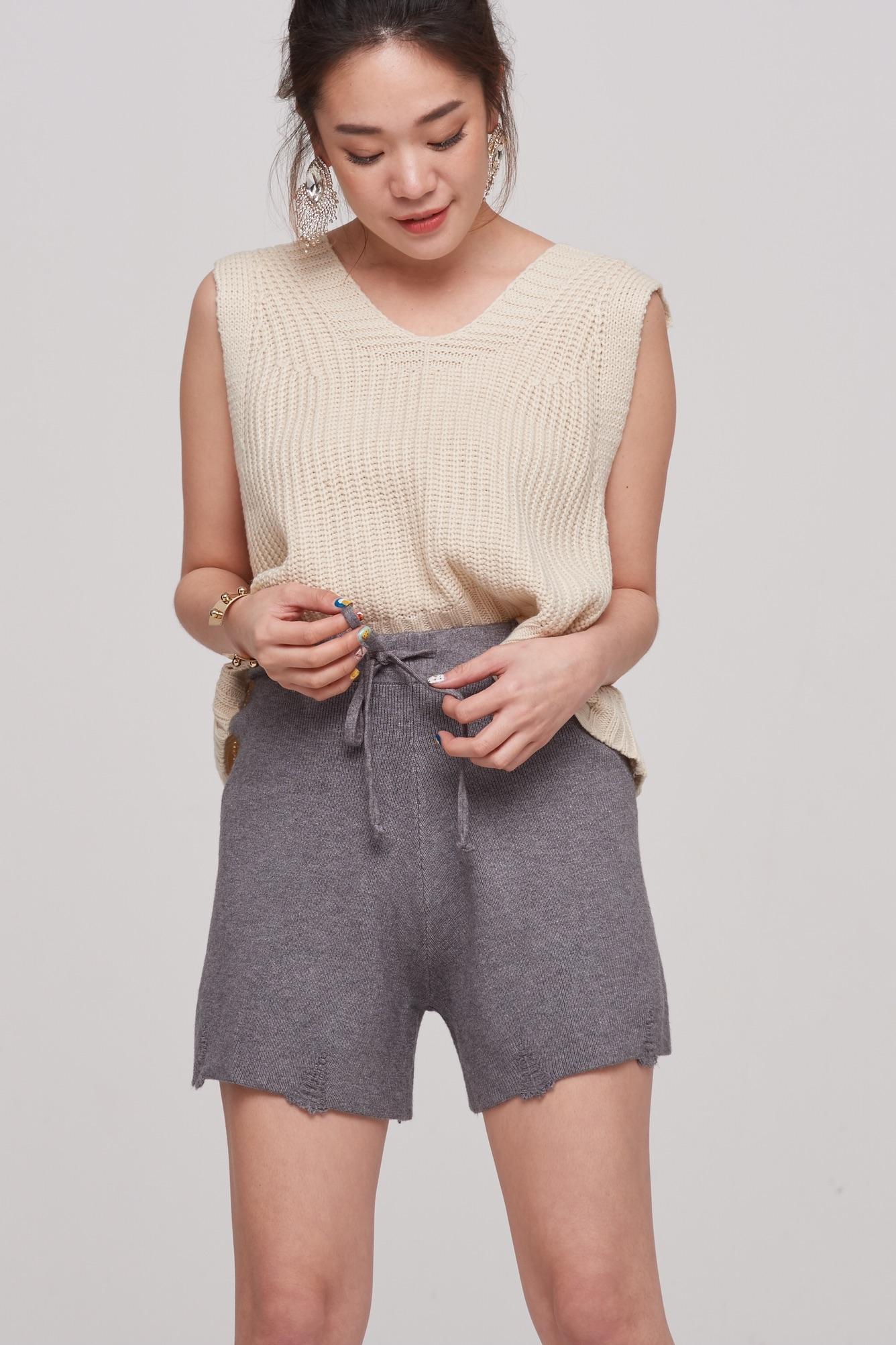 กางเกงขาสั้นแฟชั่นสีเทา