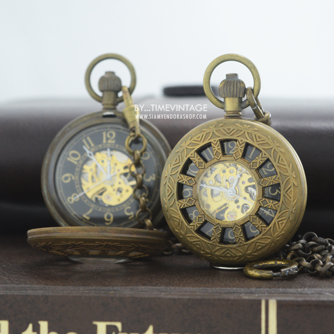 นาฬิกาถวายพระฝาฉลุลายธรรมจักร สีกรักแก่นขนุนสีเข้ม ระบบกลไกไขลาน (พร้อมส่ง)