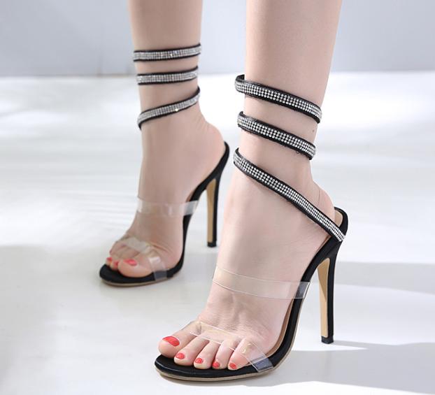 รองเท้าส้นสูงสายเกลียวพันรอบขาสีดำ ไซต์ 35-40