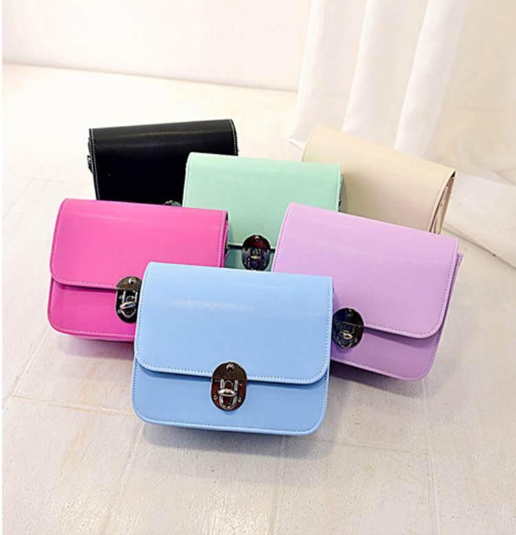 กระเป๋าสะพายสายโซ่ สีสดใส