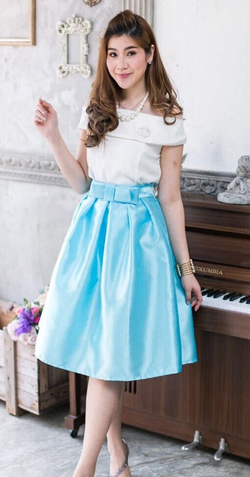 *** Size M,L *** (Set เสื้อ + กระโปรง) พร้อมส่ง กระโปรงออกงาน กระโปรงไปงานแต่งงาน สีฟ้า กระโปรงวนิดา กระโปรง Vintage กระโปรงผ้าไหม ตัวนี้ดูหราหรามากๆ Mix & Match กับเสื้อได้หลาย Style ใส่ได้ทุกโอนกาส สวยน่ารักมากๆๆ คะ