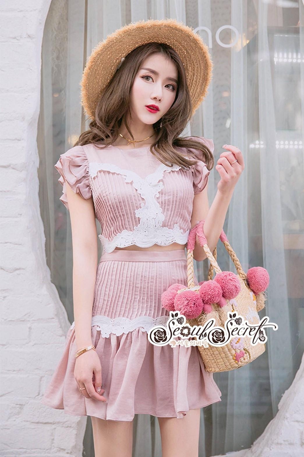 ชุดเซทแฟชั่น งานเซ็ทกระโปรงสวยหวานโทนสีชมพูนู๊ท เสื้อทรงครอป