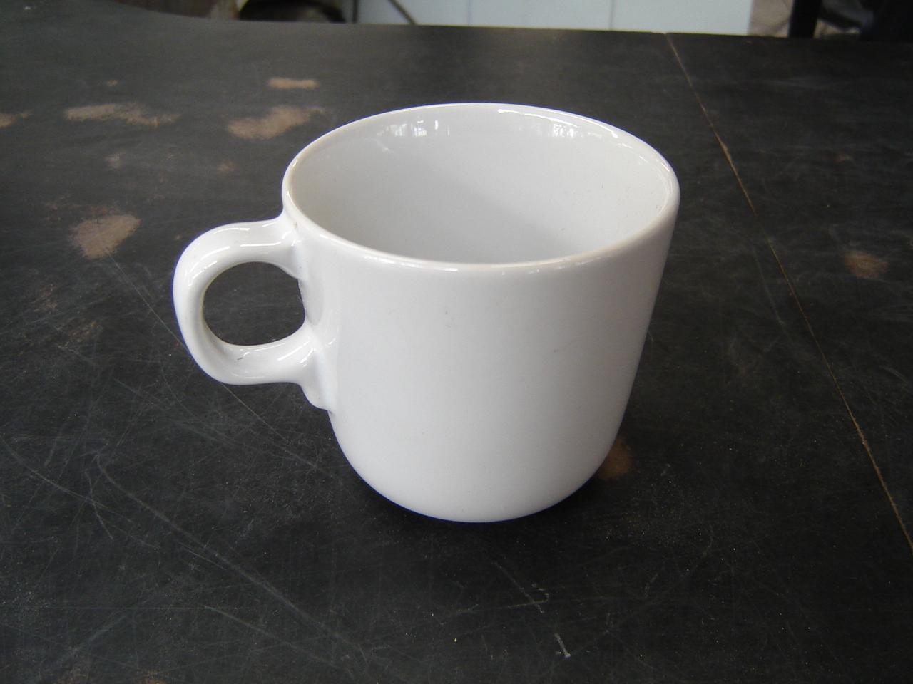 แก้วมัคสีขาว