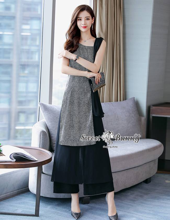 ชุดเซทแฟชั่น ชุดเซ็ทเสื้อ+กางเกงงานเกาหลี เสื้อผ้าทอสีเทาเนื้อนุ่มผ้าสีดำชีฟองเนื้อนุ่มเย็บต่อกัน