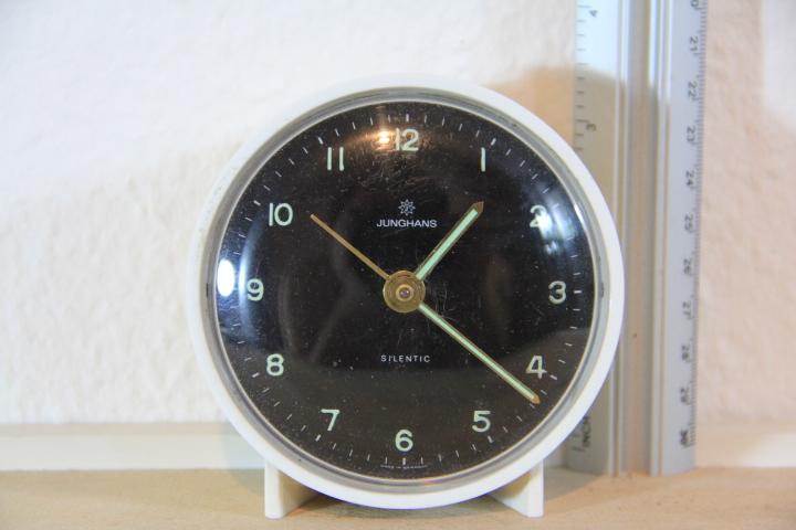 รหัส N0211 นาฬิกาปลุก Junghans เดินดีปลุกดี